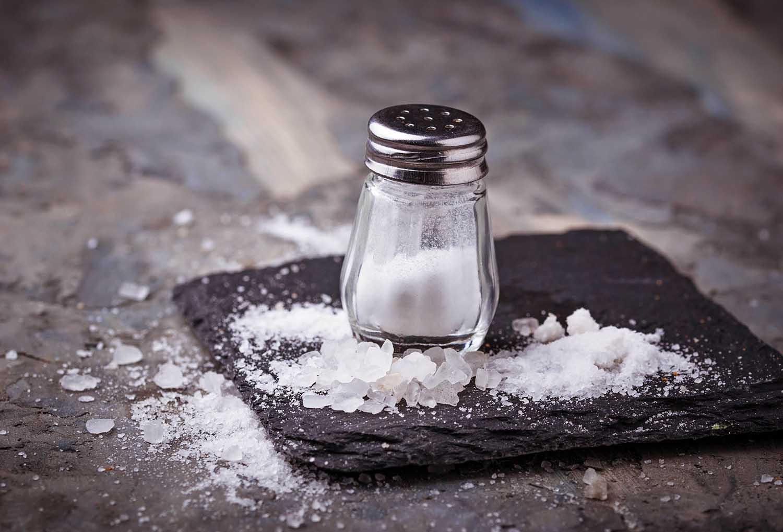 Kada galima kepiniuose naudoti mažiau druskos?